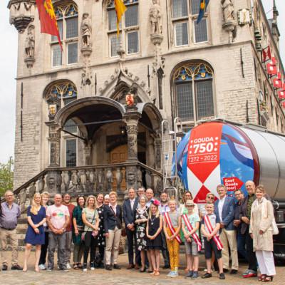 Gouda747 Tankwagen op de Markt 0