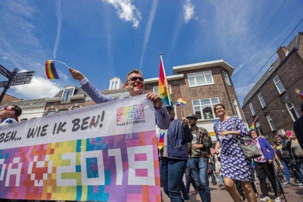 ROZE ZATERDAG Pridewalk web